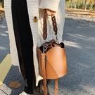 時尚爆款斜挎包小眾設計水桶包