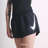 NIKE 短褲 DRI-FIT SWOOSH RUN 運動短褲 黑色 女 (布魯克林) DD4924-010