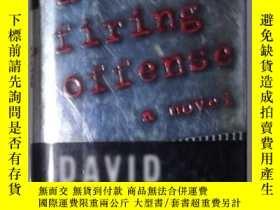 二手書博民逛書店英文原版罕見A Firing Offense by David