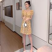 VK精品服飾 韓國風復古碎花方領蝴蝶結印花修身短袖洋裝