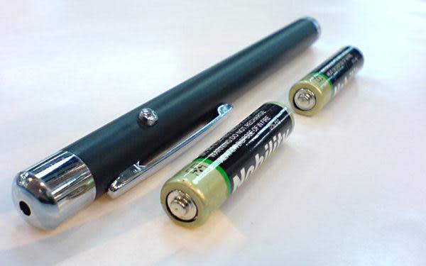 新式筆型 4 號電池紅光雷射筆