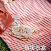 野餐墊紅白格加厚戶外便攜防潮墊可摺疊帳篷防水野營地墊 極客玩家