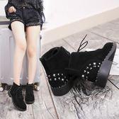 大碼平底短靴 新款平底低跟鉚釘女鞋短靴歐美女靴子防滑馬丁靴裸靴棉靴 qf18194【小美日記】
