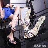半拖鞋女春季新款歐美時尚水鉆細跟甜美蝴蝶結露趾高跟涼拖鞋 DR16514【男人與流行】