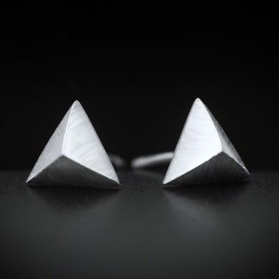 925純銀耳環(耳針式)-低調大方時尚三角形生日七夕情人節禮物女飾品73dr16[時尚巴黎]