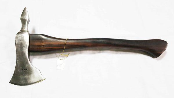 郭常喜的興達刀鋪-藝術斧頭(A0361)彈簧鋼+黑檀木柄