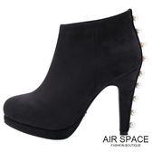 踝靴 CHIAO聯名珍珠綴飾麂皮絨高跟踝靴(黑)-AIR SPACE