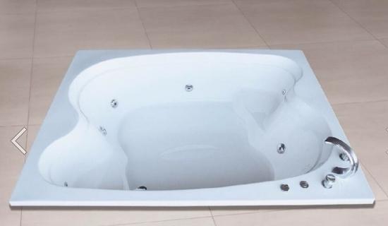 【麗室衛浴】國產 雙人按摩浴缸 F215 8噴 180*140*58CM