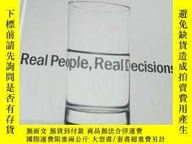 二手書博民逛書店Marketing罕見: Real People,Real De