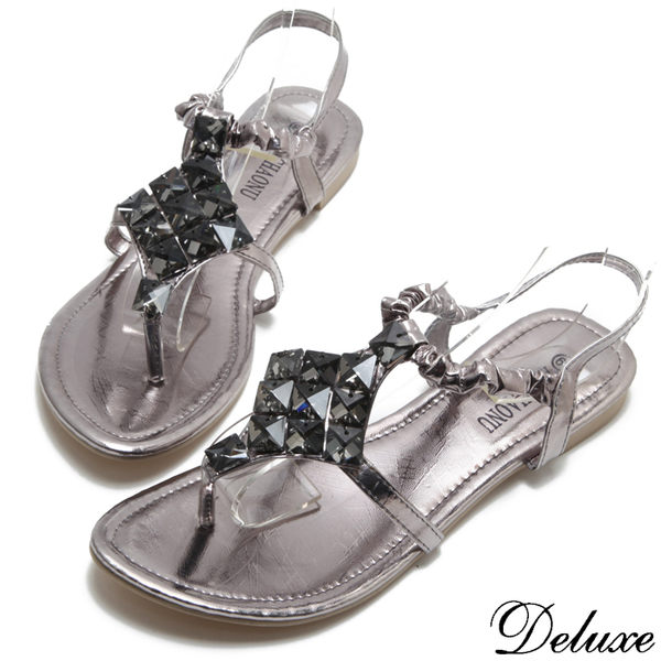 【Deluxe】夏日美人氣質浪漫菱形方晶夾腳涼鞋(灰)