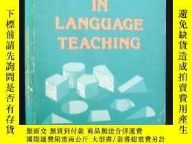 二手書博民逛書店ADAPTATION罕見IN LANGUAGE TEACHING(英語教學法: 適應論)Y163 Harold