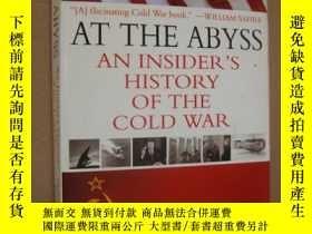 二手書博民逛書店《冷戰內幕》AT罕見THE ABYSS:AN INSIDER S
