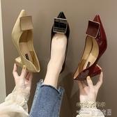 (快出) 網紅單鞋女新款韓版百搭仙女風方扣淺口女鞋尖頭粗跟晚晚鞋子
