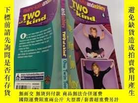 二手書博民逛書店one罕見twin too many:一對雙胞胎太多了.Y200392