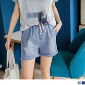 OB嚴選《BA1524-》輕鬆印象~造型排釦設計刷色抽繩牛仔短褲.2色--適 S~XL