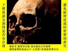 二手書博民逛書店Every罕見Bone Tells a Story: Homin
