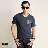 【BTIS】口袋V領T-shirt / 丈青色