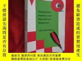 二手書博民逛書店Evolutionary罕見Games and Equilibrium Selection (小16开) 【详见图