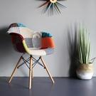 北歐ins風布藝拼接伊姆斯餐椅休閒靠背電腦椅沙發家用實木網紅椅