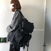 後背包男大容量休閑日版百搭電腦包旅行包女【愛物及屋】