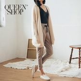 Queen Shop【04020473】抽繩設計厚棉質感反褶造型長褲 兩色售*現+預*
