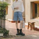 Queen Shop【04120067】腰釦設計高腰五分牛仔褲 S/M/L*現+預*