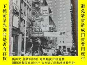 二手書博民逛書店Chinatown,罕見Economic Adaptation
