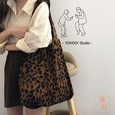 豹紋韓系燈芯絨面呢側背帆布包購物袋女【橘社小鎮】