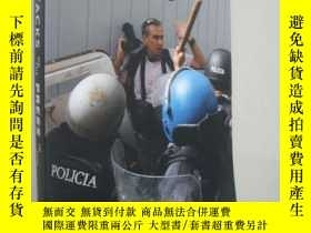 二手書博民逛書店Attacks罕見on the Press in 2009 記者