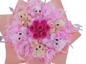 娃娃屋樂園~真心愛你-6隻小熊+香皂花(羽毛)花束 每束1050元/婚禮小物/情人節花束