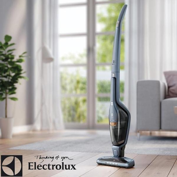 (特別賣場)【Electrolux 伊萊克斯】超級完美管家吸塵器-HEPA進化版 晴空藍(原廠公司貨) 送四吸頭