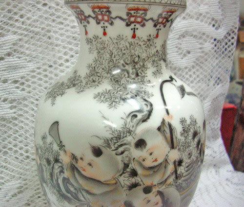 藝術瓷 手繪花瓶童趣