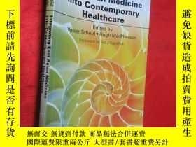 二手書博民逛書店Integrating罕見East Asian Medicine