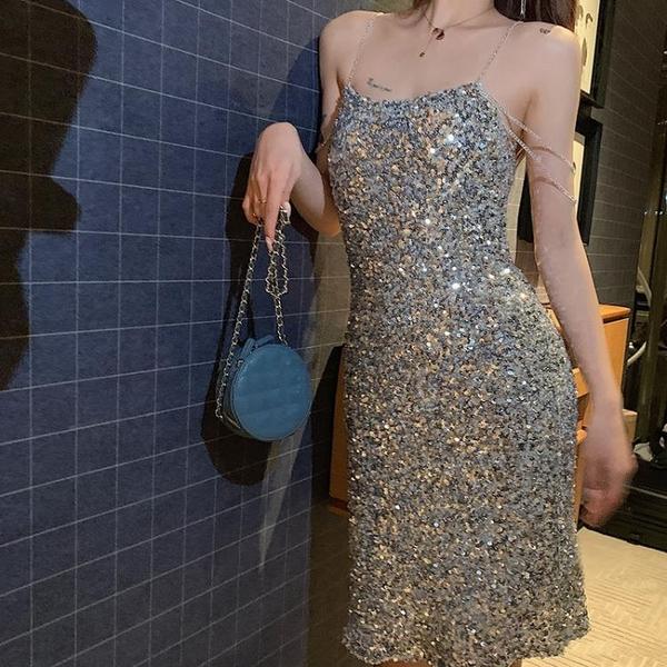 阿姐家春季新款性感洋氣一字肩裙子閃閃亮片bling吊帶洋裝 三角衣櫃