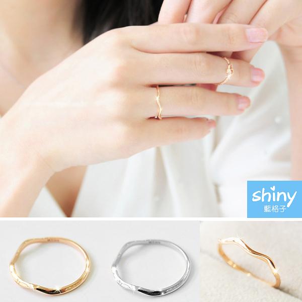【35A70】shiny藍格子-閃耀時尚.清新波浪曲線美戒指