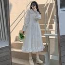 文藝復古溫柔仙女裙春季新款白色娃娃領顯瘦甜美荷葉邊大擺洋裝 設計師
