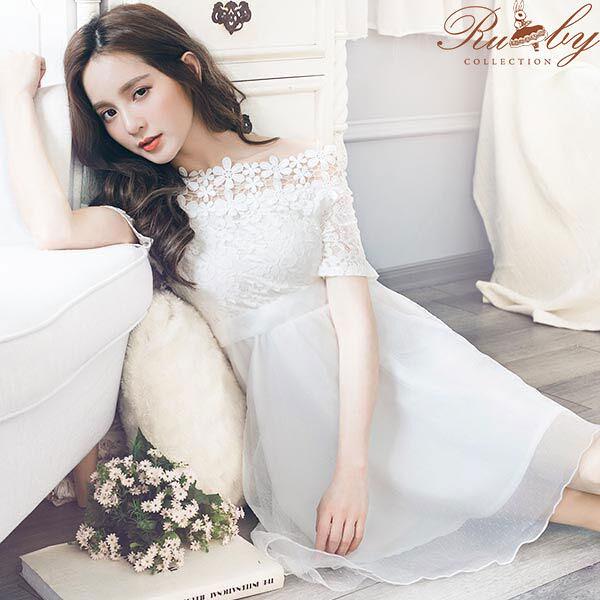 洋裝 一字領鉤花蕾絲拼接網紗綁帶洋裝-Ruby s 露比午茶