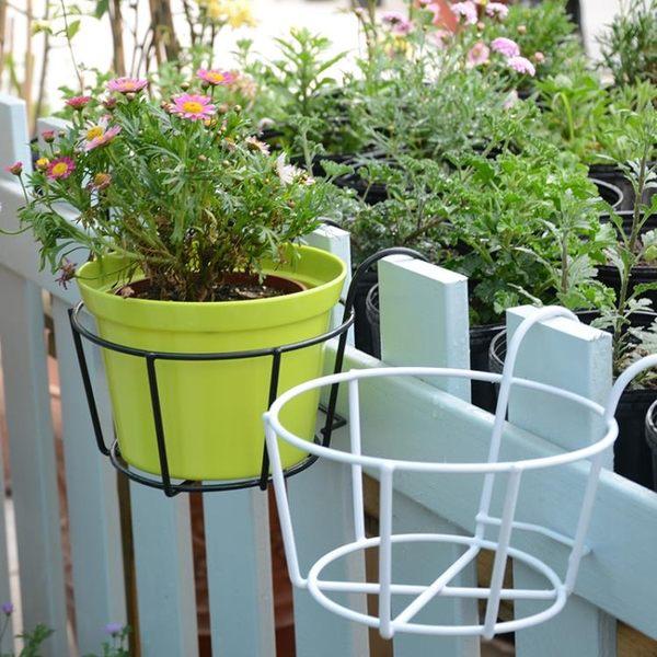 鐵藝陽台花架掛式綠蘿花盆架 圓形植物盆栽窗台欄桿懸掛花架 【販衣小築】