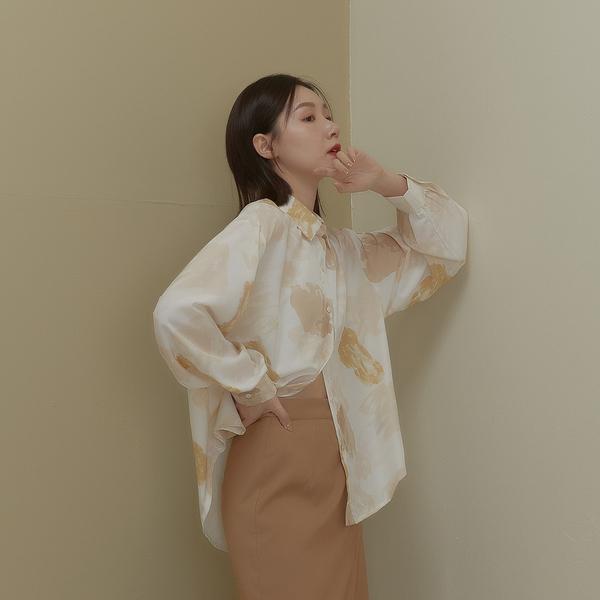 Queen Shop【01024388】前短後長質感水墨暈染襯衫*現+預*