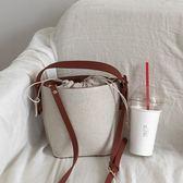 韓國東大門抽帶水桶包簡約超火ins同款包斜挎帆布包百搭手提包女  Cocoa