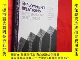 二手書博民逛書店Employment罕見Relations in the Sha