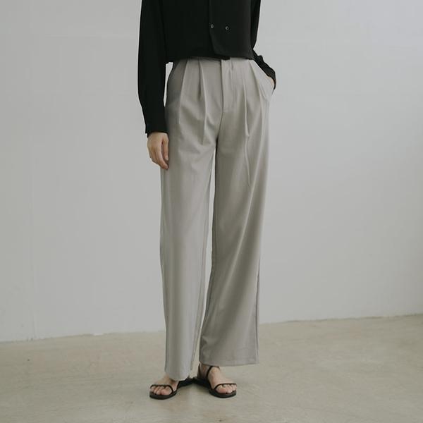 Queen Shop【04030270】質感前打摺設計西裝褲 四色售 S/M/L*現+預*