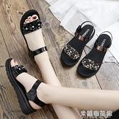 高跟涼鞋 中年女士夏季平底年婦女坡跟時尚40歲中跟2021新款媽媽50涼鞋 快速出貨