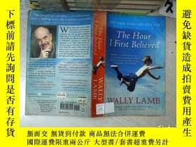 二手書博民逛書店THE罕見HOUR I FIRST BELIEVED 我第一次相