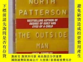 二手書博民逛書店英文原版罕見《 The Outside Man 》 Richar