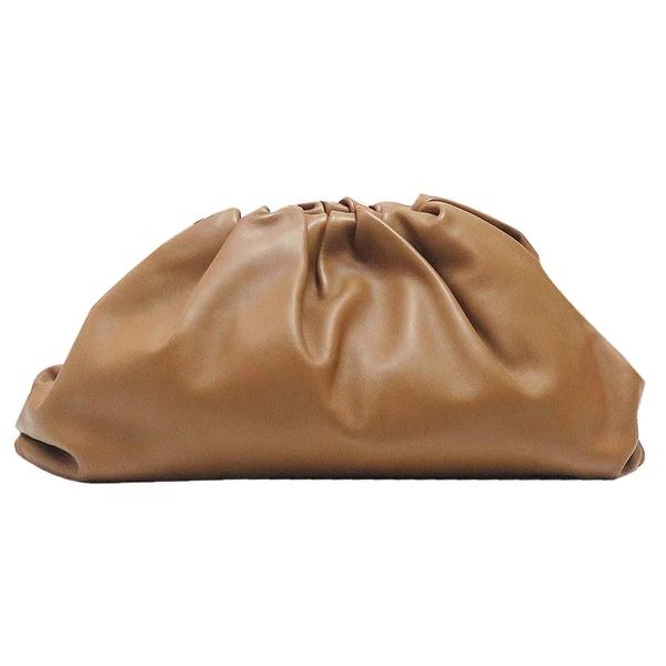 Bottega Veneta BV 駝色小牛皮雲朵手拿包 Pouch Leather Clutch 【二手名牌BRAND OFF】