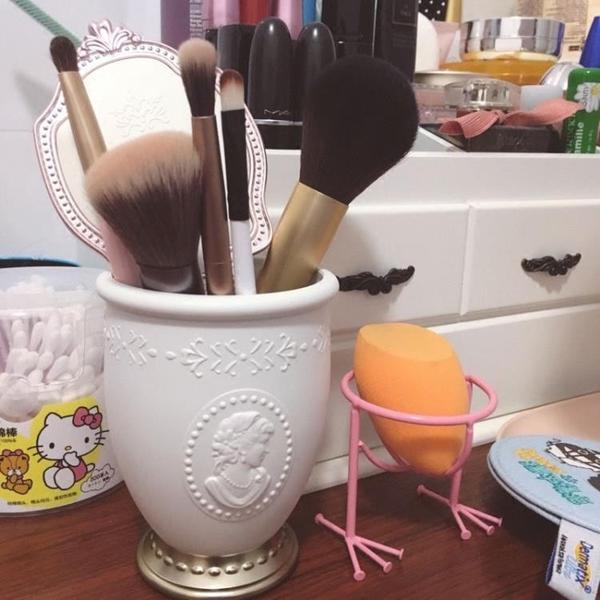 化妝品刷筒化妝美妝收納桶筆刷筒桌面收納盒【英賽德3C數碼館】