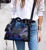 ■專櫃77折■ Balenciaga 全新真品Classic City 中款 431621 Graffiti 羊皮塗鴉機車包 紫黑色