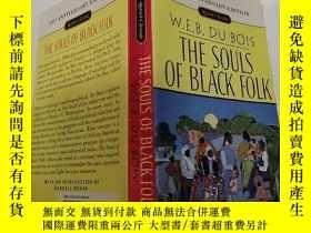 二手書博民逛書店THE罕見SOULS OF BLACK FOLK(黑人的靈魂)外