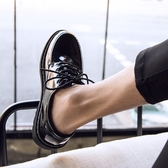 夏季小皮鞋男黑色韓版潮流百搭學生休閒鞋男圓頭亮面鞋子男潮 草莓妞妞